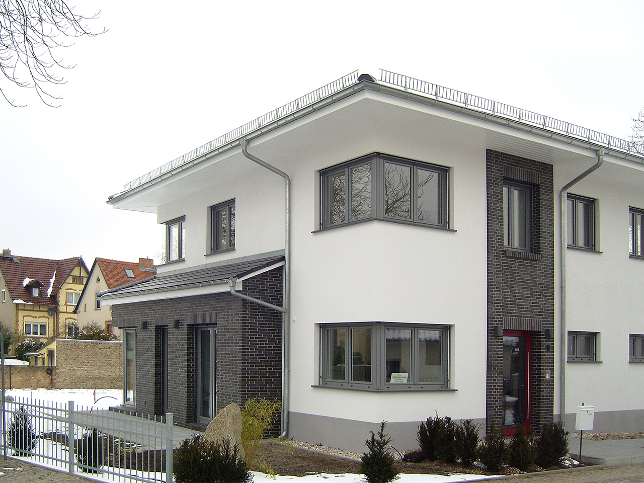 Stadtvilla klinker dunkel  Caputh Praxisgebäude - Architekt Uwe Müller Potsdam
